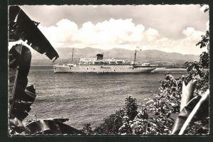 AK Passagierschiff Colombie vor der Küste