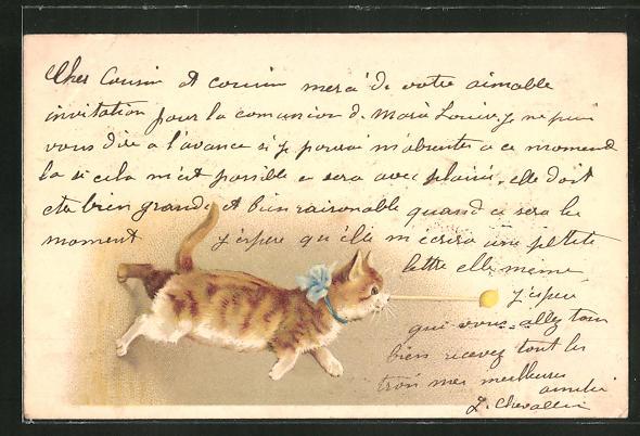 AK Kleine Katze mit blauer Schleife verfolgt einen gelben Ball