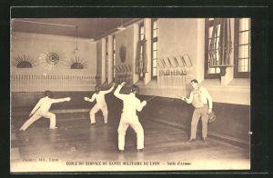 AK Lyon, École du Service de Santé Militaire, Salle d'Armes, Männer beim Fechten