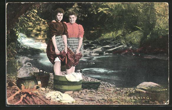AK A Scotch Washing, Waschfrauen in Schottland am Ufer