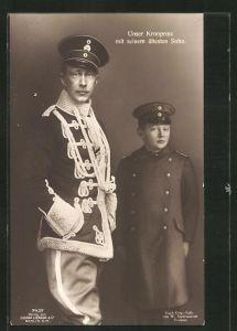 AK Kronprinz Wilhelm von Preussen mit seinem ältesten Sohn, beide in Uniform