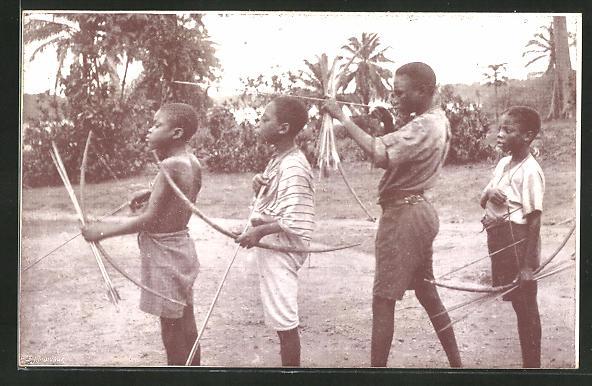 AK Mission de Coquilhatville Congo Belge, Les petits archers de Bokote, afrikanische Volkstypen