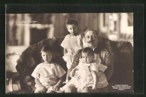 AK Kaiser Wilhelm II. mit seinen drei Enkeln
