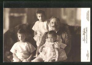 AK Kaiser Wilhelm II. mit seinen Enkeln