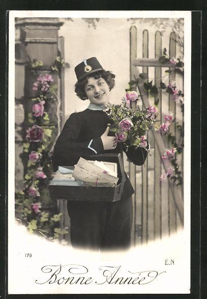 AK Briefträger mit Tasche und Blumen, Neujahrsgruss