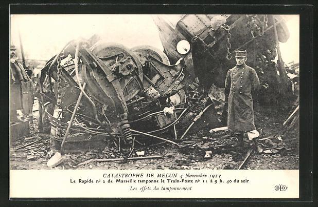 AK Melun, Eisenbahnkatastrophe 4.11.1913, Polizei an der Unglückstelle