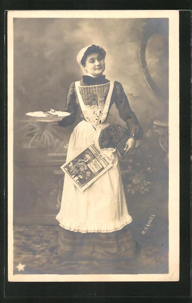 AK Dienstmädchen mit Zeitung