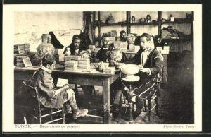 AK Tunisie, Décorateurs de poteries, arabische Töpfer