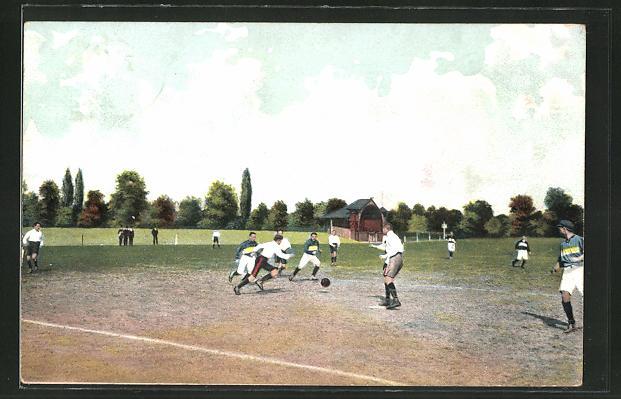 AK Zwei Mannschaften bei einem Fussballspiel