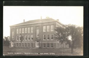 Foto-AK Vermillion, SD, View of the High School