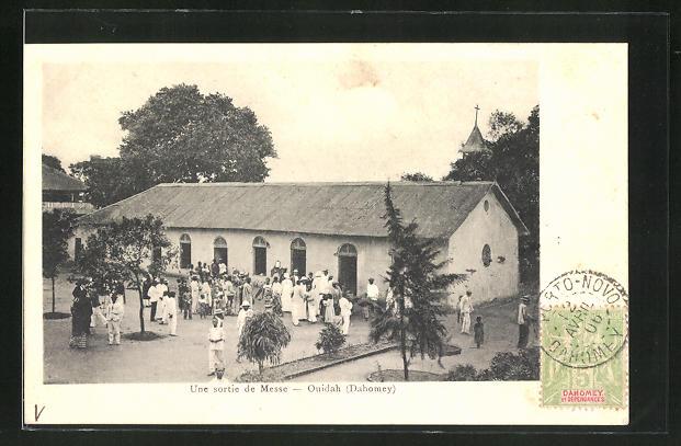 AK Ouidah, Une sortie de Messe
