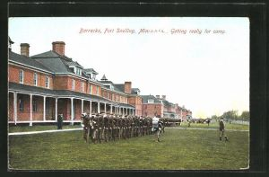 AK Fort Snelling, MN, Barracks, Soldiers getting ready for the camp