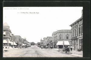 AK Marysville, KS, Main Street looking East