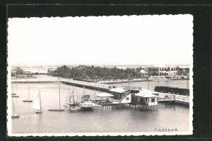 Foto-AK Massaua, Hafen mit Booten
