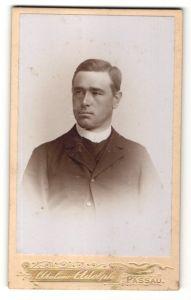 Fotografie Atelier Adolph, Passau, Portrait Priester