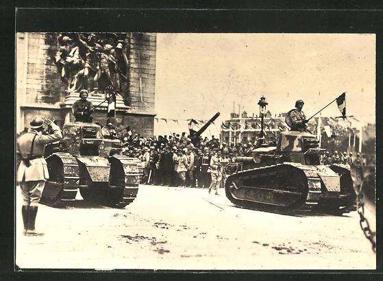 AK Panzer auf einer Siegesparade