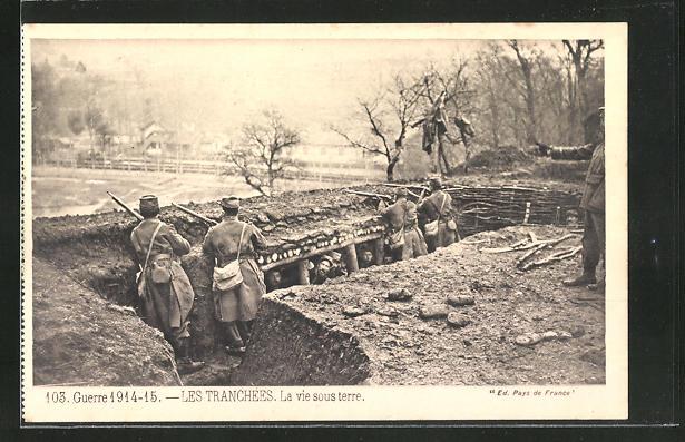 AK Soldaten halten Wache in einem Schützengraben