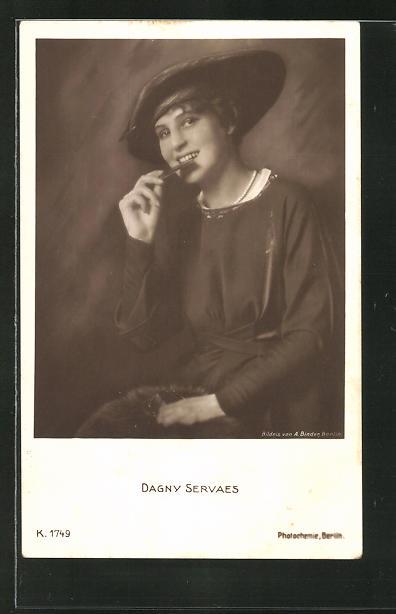 AK Schauspielerin Dagny Servaes im Kostüm einer Filmrolle