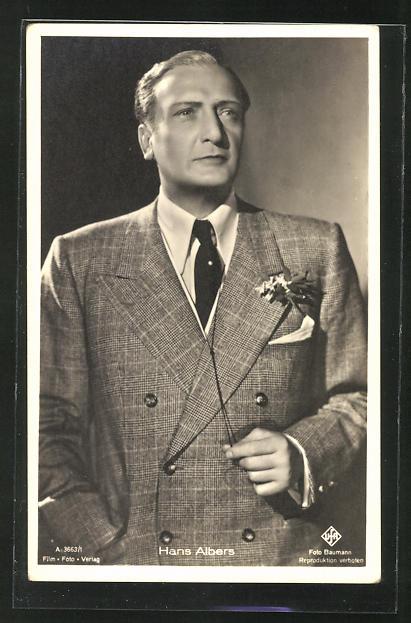 AK Schauspieler Hans Albers im Anzug ernst blickend