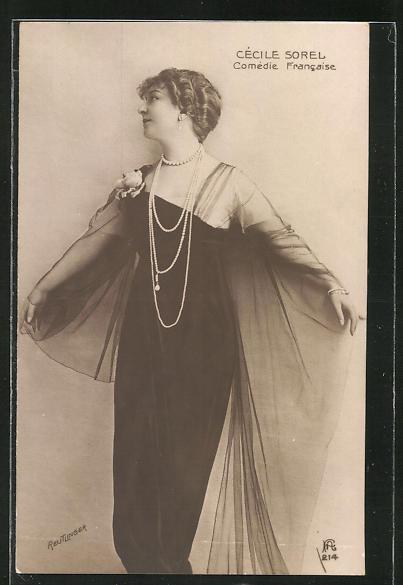 AK Schauspielerin Cècile Sorel im Kostüm einer Filmrolle