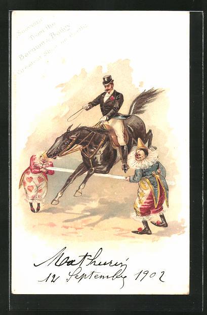 AK Reiter auf seinem Pferd springt über eine Stange die von zwei Clowns gehalten wird
