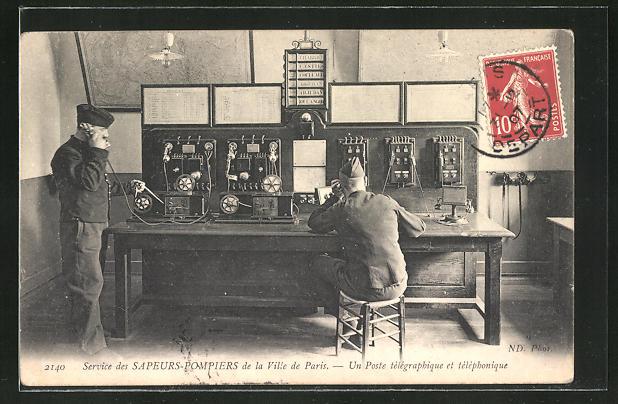AK Paris, Service des Sapeurs-Pompiers, Un poste télégraphique et téléphone, Vermittlung der Feuerwehr, Steckschrank