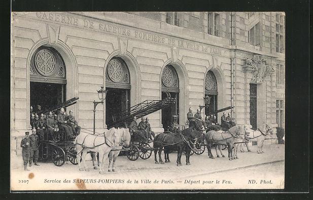 AK Paris, Service des Sapeurs-Pompiers, Départ pour le Feu, Leiterwagen der Feuerwehr, Pferdegespanne