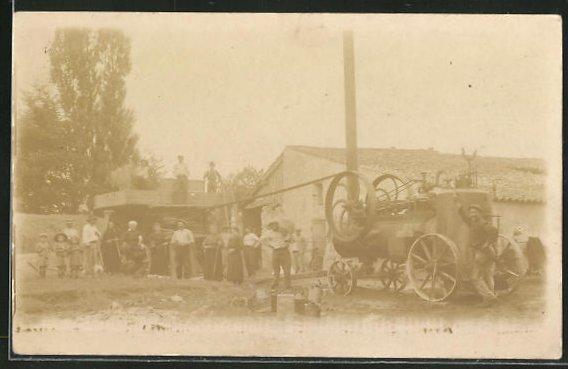 Foto-AK Landarbeiter mit Lokomobil