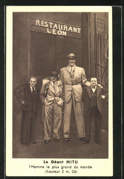 AK Paris, Riese Mitu ist Gast im Restaurant Leon, 202 Rue Saint-Honoré