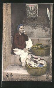 AK Petite marchande de Tabac a l'entree de la Concession, asiatische Tabakverkäuferin