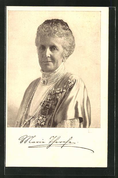 AK Königin Maria Therese von Bayern mit Perlenschmuck