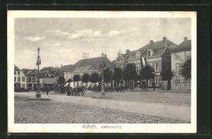 AK Aurich, Kutschen auf dem Marktplatz