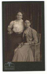 Fotografie Tietz, München, Portrait zwei gutbürgerliche junge Frauen
