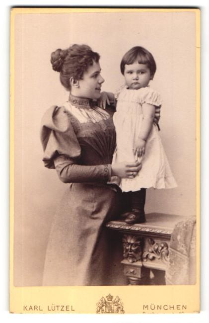 Fotografie Karl Lützel, München, Portrait junge Dame und Kleinkind