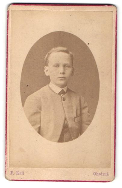 Fotografie F. Keil, Ohrdruf, Portrait blonder hübscher Bube im eleganten Anzug