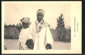 AK Guinea-Bissau, Un marabout, Afrikaner im Gewand