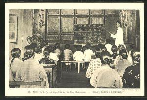 AK Asie, Classe dans un Orphelinat