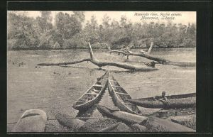 AK Monrovia, Mesurado river, Native canoes, Kanus am Flussufer