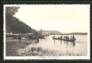 AK Bangui, Bords du fleuve, Partie am Flussufer mit Dampfer