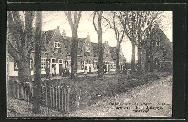 AK Naaldwijk, Oude mannen en vrouwen-stichting met Israelitische Synagoge