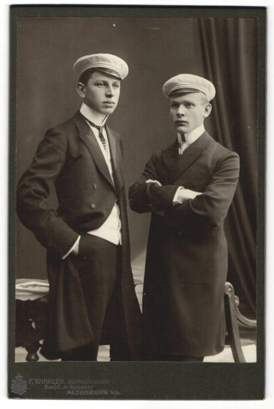 Fotografie P. Winkler, Altenburg S.A., Studenten im Anzug mit Schirmmütze