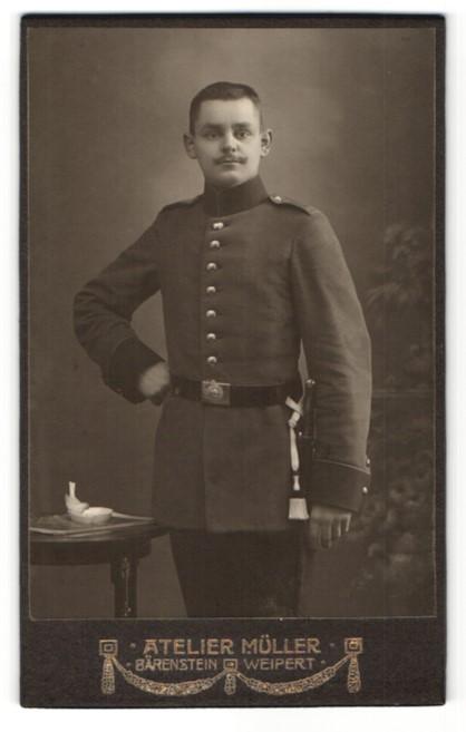 Fotografie Atelier Müller, Bärenstein, Portrait junger Soldat in Uniform