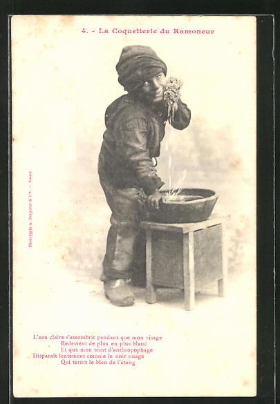 AK Kleiner Schornsteinfeger wäscht sich das schmutzige Gesicht