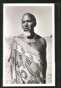 AK afrikanische Volkstypen, Mann in Trachtenkleidung
