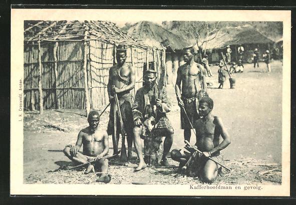 AK Männer in ihrem Dorf, afrikanische Volkstypen