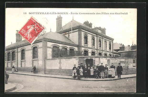 AK Sotteville-Les-Rouen, Ecole Communale des Filles rue Garibaldi