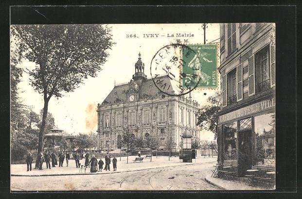 AK Ivry, La Mairie, Ortspartie mit Rathaus, Cafe de l'Hotel de Ville
