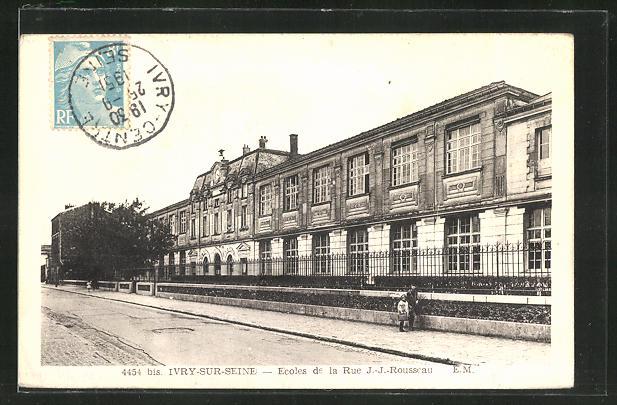 AK Ivry-sur-Seine, Ecoles de la Rue J.J. Rousseau