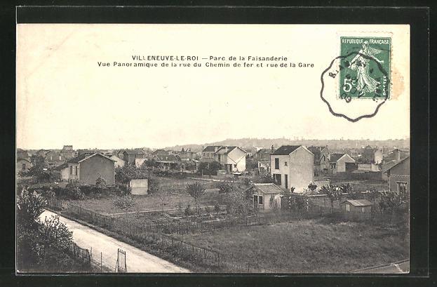AK Villeneuve le Roi, Parc de la Faisanderie, Vue Panoramique de la rue du Chemin de fer et rue de la Gare