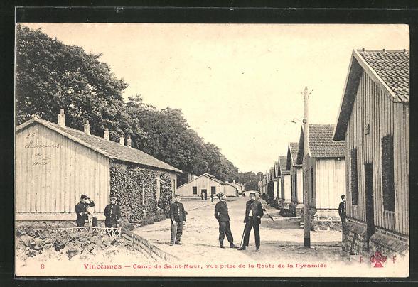 AK Vincennes, Camp de Saint-Maur, vue prise de la Route de la Pyramide